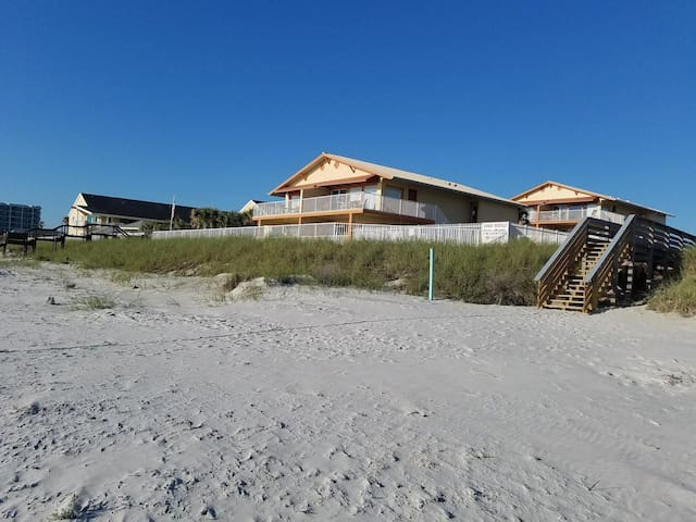 2 Br Oceanfront Resort Partial View * Heated Pool! 8 *NSB