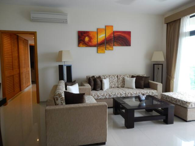 Luxury 2-BR Apart at HavelockCity - Colombo - Apartament