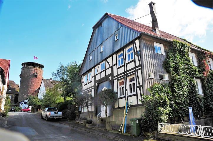 Arthaus 8
