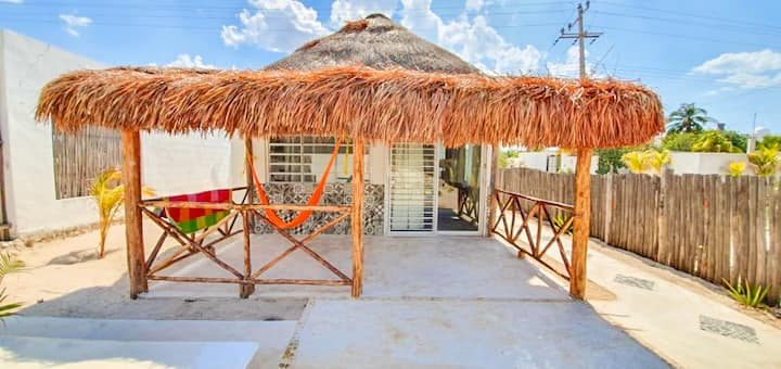 Beautiful private-beach Bungalow in Chicxulub