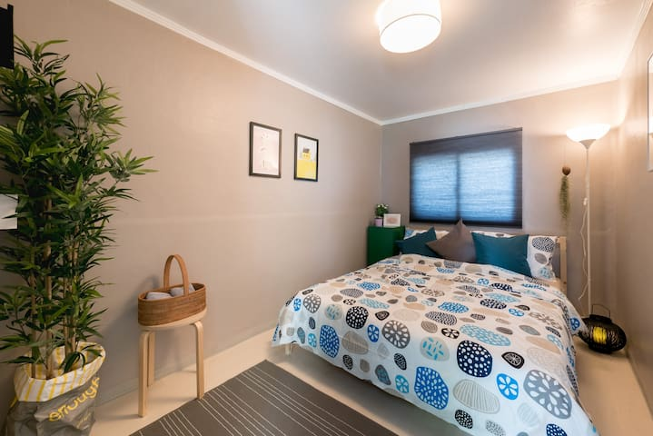 USEE HOUSE 4: Clean, cozy 2 Rooms, Itaewon Yongsan
