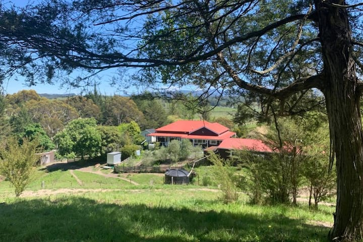Tranquil Farm Stay with views to die for!