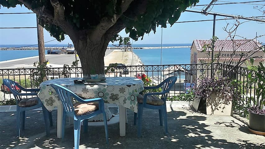 Apartment with direct view to the sea!! - Evia - Byt