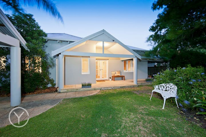 Beautiful Home, Sunshine,Fresh air! - Nedlands - House