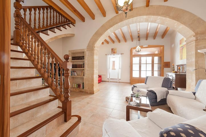 Holiday town house in the historic walls of Alcudia