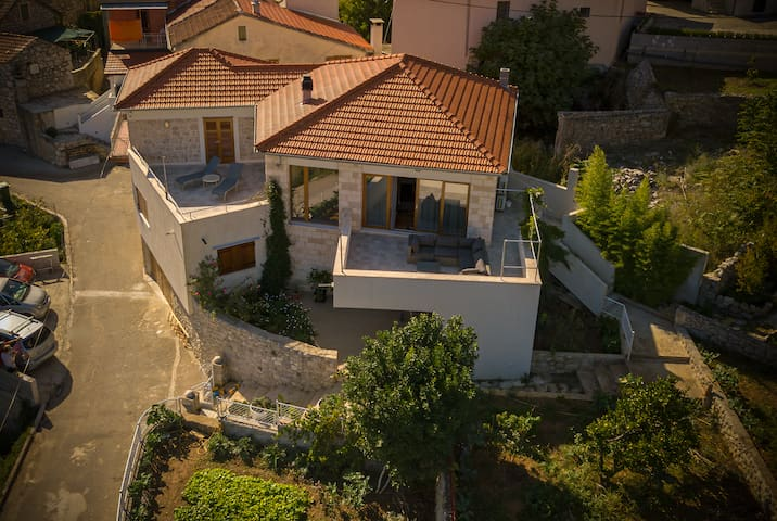 Holiday home in Svirče - island Hvar