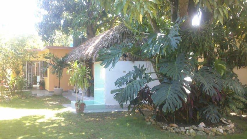 Casa Coral 100% ambiente familiar cubano!!! - Santa Marta - Hus