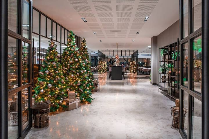 Invite my guests for christmas dinner v.d. Valk Hotel exclusief Enschede