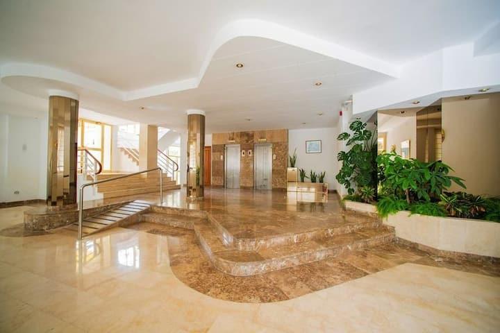 ⭐Beach Penthouse w terrace, pool and free wifi ⭐