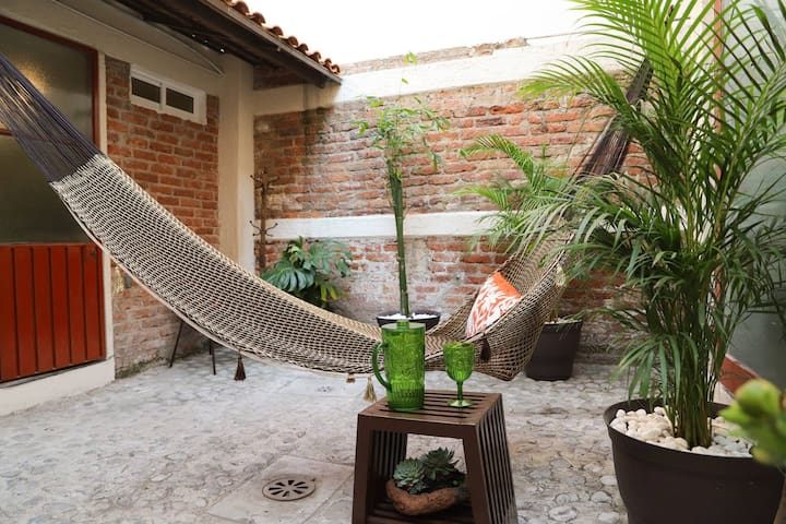 Cozy Artistic Coyoacan Guest House On Historic ST