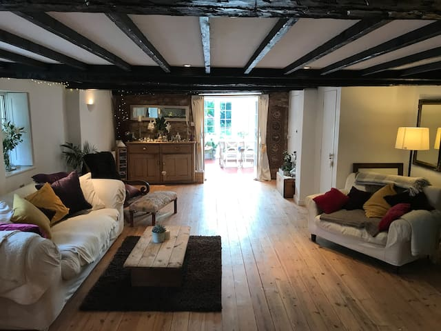 Charming Cosy Character Cottage - Topsham