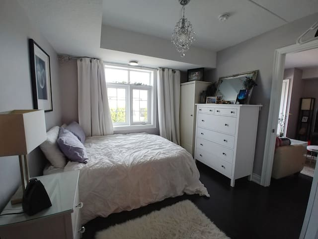 NEW condo FULLY PRIVATE 1 parking