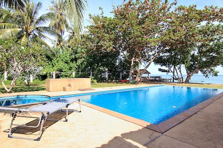 Seaview beach&pool studio at tranquil beach area