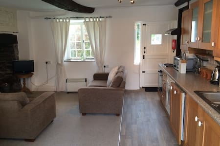 Courtyard Cottage - Grade II listed - Barnstaple - Barnstaple - Hus