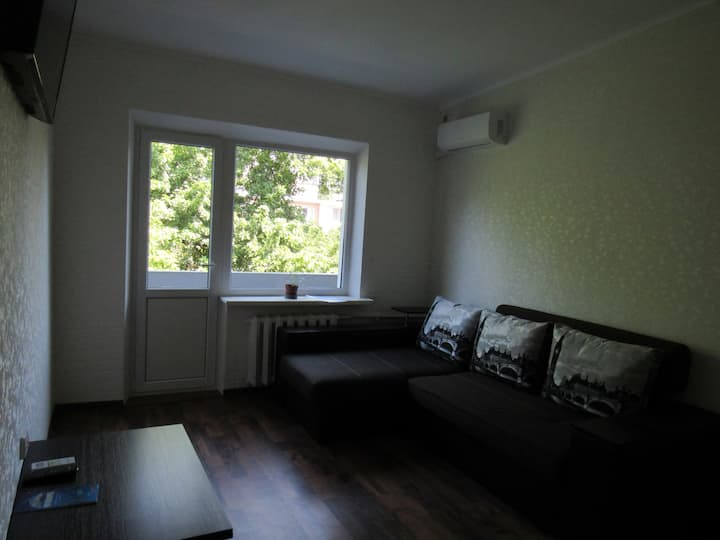 Светлая квартира, в тихом дворике Черноморска