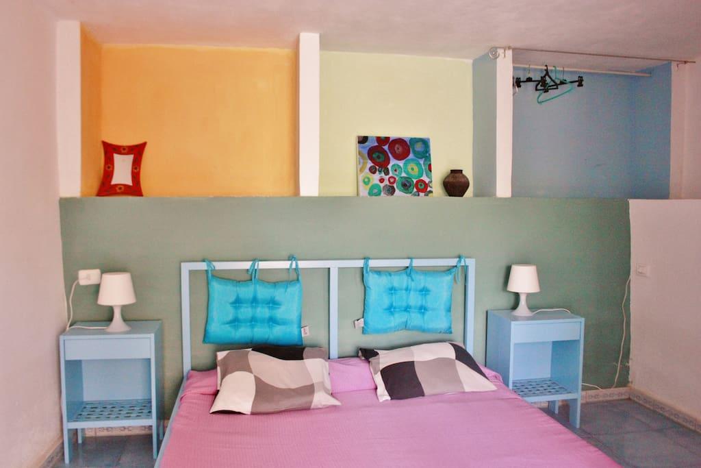 Camera da letto con tv e aria condizionata su richiesta