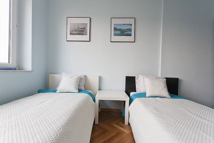 MOLO 3 independent rooms 40 mtr. from M.Cassino