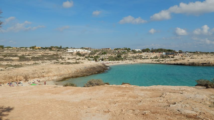 Bilocale in villa panoramica 250 mt dalla spiaggia