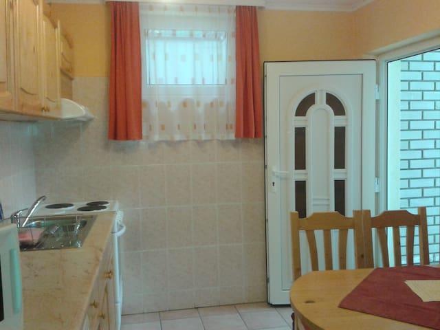 Family Alagsori Apartman külön bejárattal - Balatonfüred - Byt