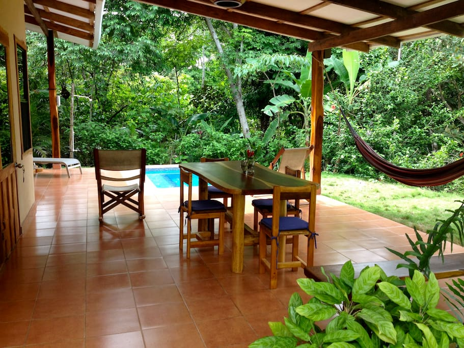 Casa Trogon dining area