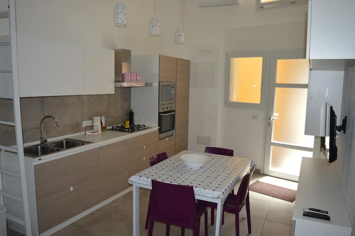New, comfortable, in the center of Pozzallo