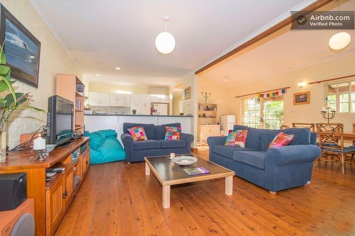 Byron Airbnb Bliss Beach House - Byron Bay - Casa