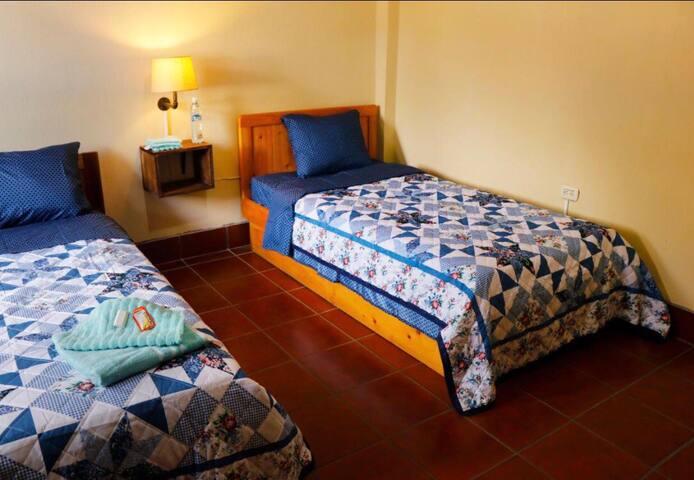 Habitaciones Triples Casa  Don Justo, Panajachel