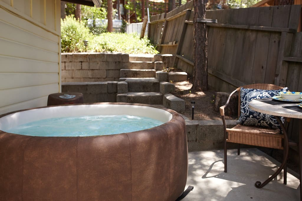 Spa area, sit outdoors and enjoy star gazing