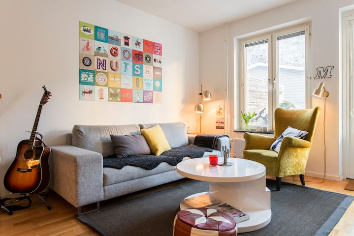 Nice family flat with patio 10-15 min to C!