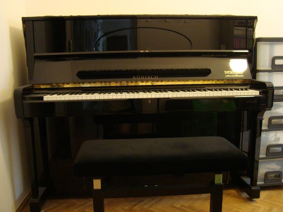 Wer Klavier spielen will, soll und darf das gerne tun!
