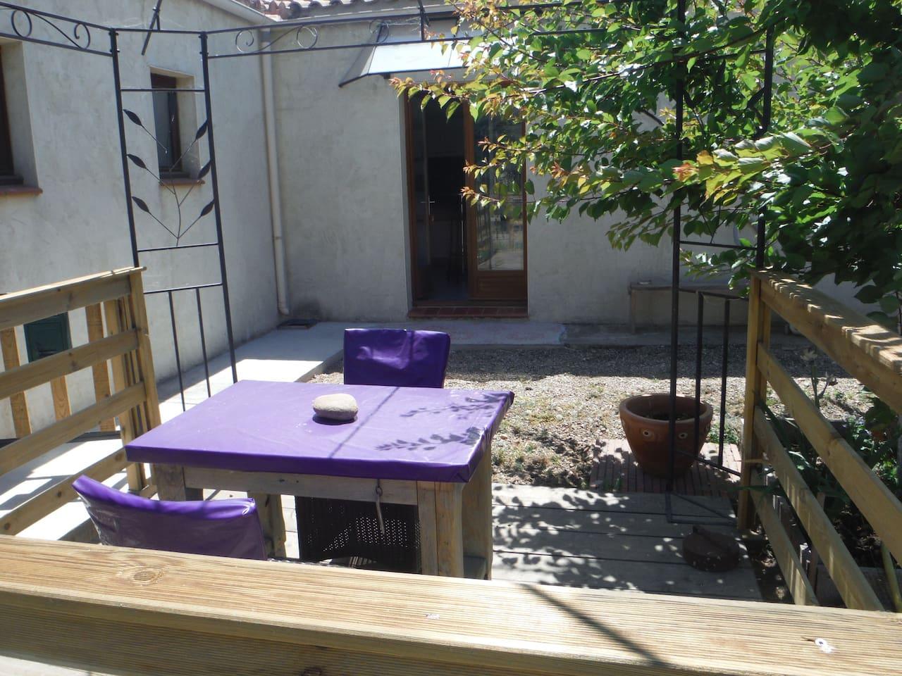 patio ombrage pour prendre le frais