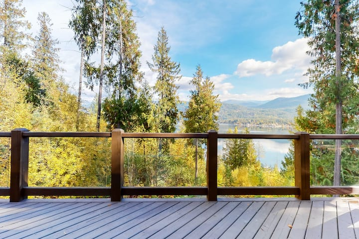New listing! Lakefront house w/ trail to private dock and lake access