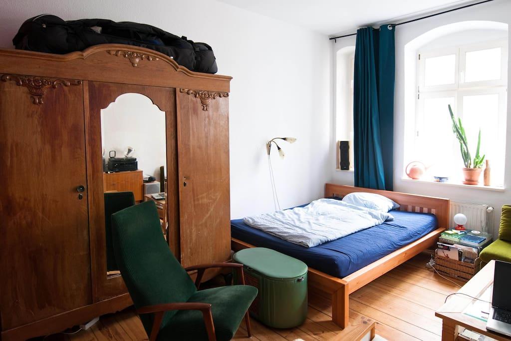 Room 1 - bed (160 x 200)