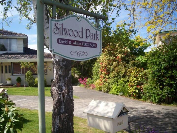Silwood Apartment