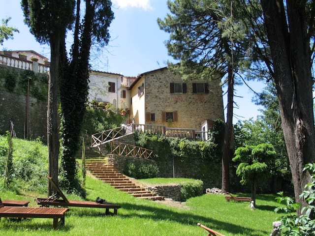 Cosy country residence with huge garden and view - Bucine - Apartment