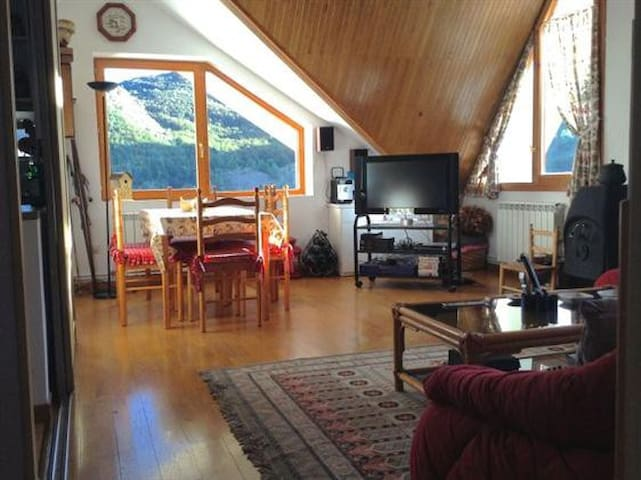 Bonito ático en Formigal - Formigal - Appartement