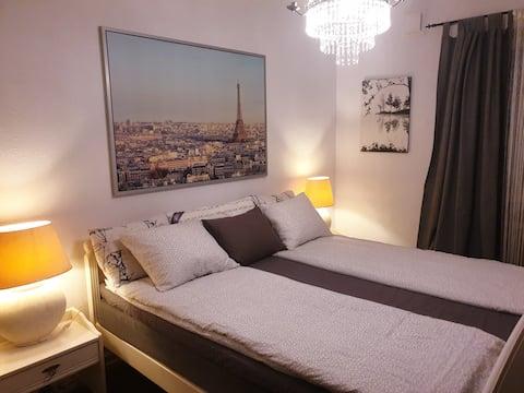 Private cozy room in central Malmö