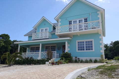 Gorgeous New 4 bd, 3.5 bth Minutes Away from Beach
