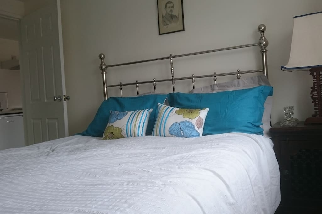 Double bed with cotton linen