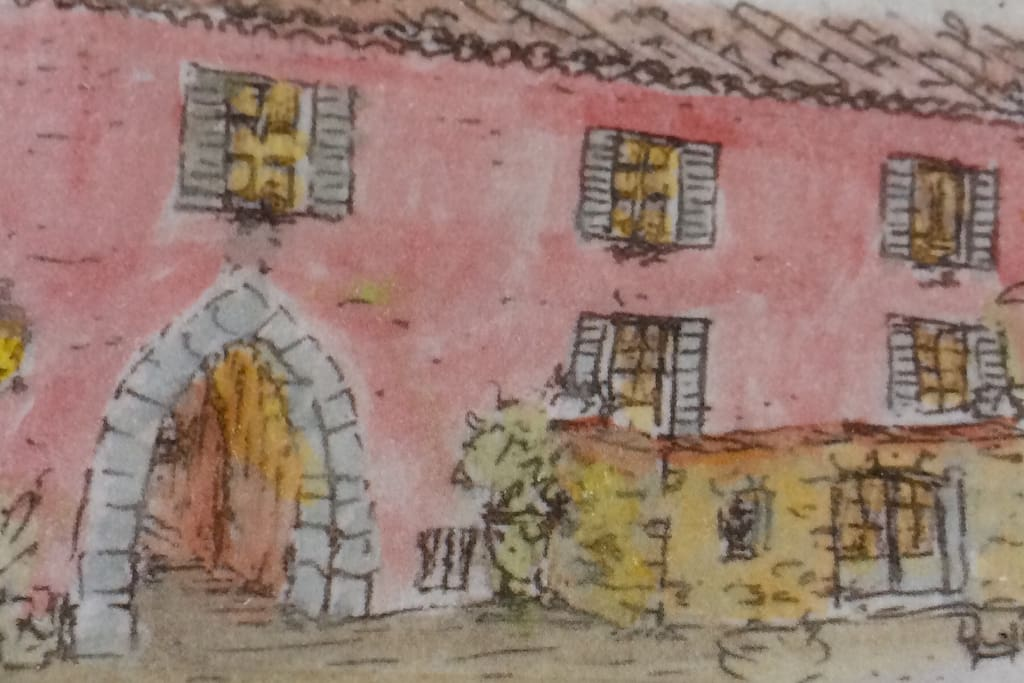 Immeuble sur les remparts d'un village médiéval