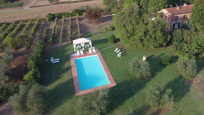 Charming Tuscan Villa for10+2 with pool near Lucca - Castelfranco di Sotto - 別墅