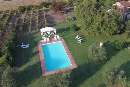 Charming Tuscan Villa for10+2 with pool near Lucca - Castelfranco di Sotto - Villa
