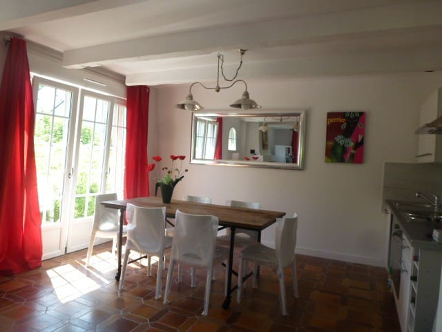 comfortable 2 bedroom flat  - la chapelle des fougeretz - Apartment