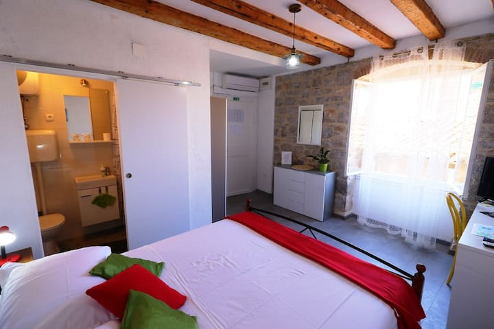 Val Comeza - Room Melisella, Center of Komiža