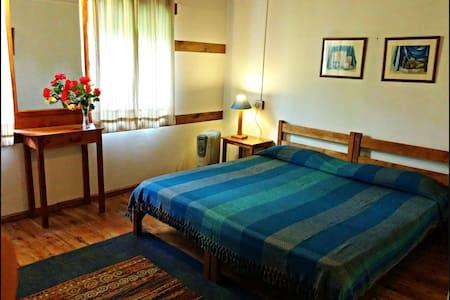 Single Room in 9 bed guest house - Raison Kullu Manali - Huis