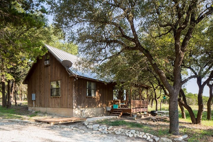 Kick Back Cabin - near Dripping Springs