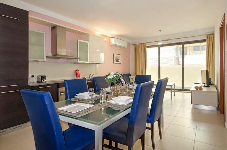 Spinola Modern Apartment