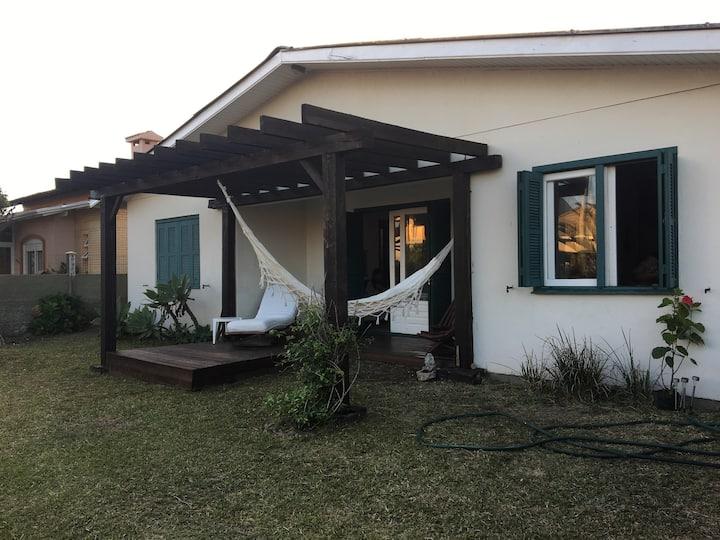 Casa charmosa de praia em Nova Tramandai