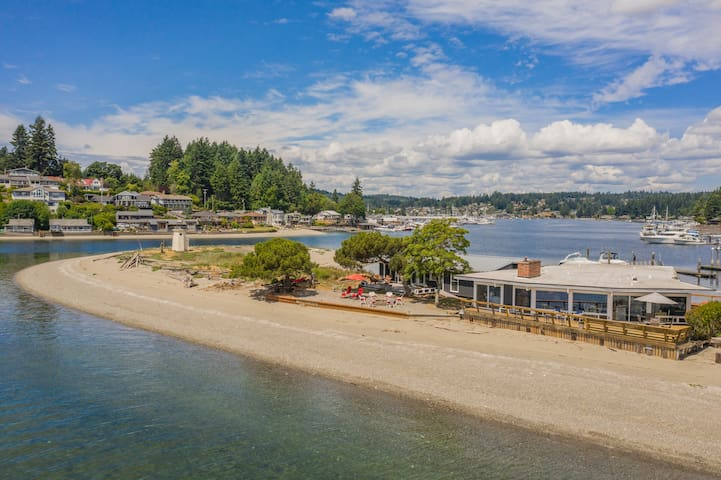 NEW-Gig Harbor Lighthouse Beach- 7 bedrooms