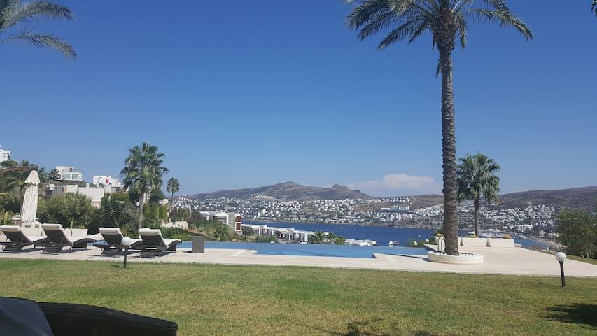 Luxury Villa with stunning view and infinity pool. - Gündoğan - Villa